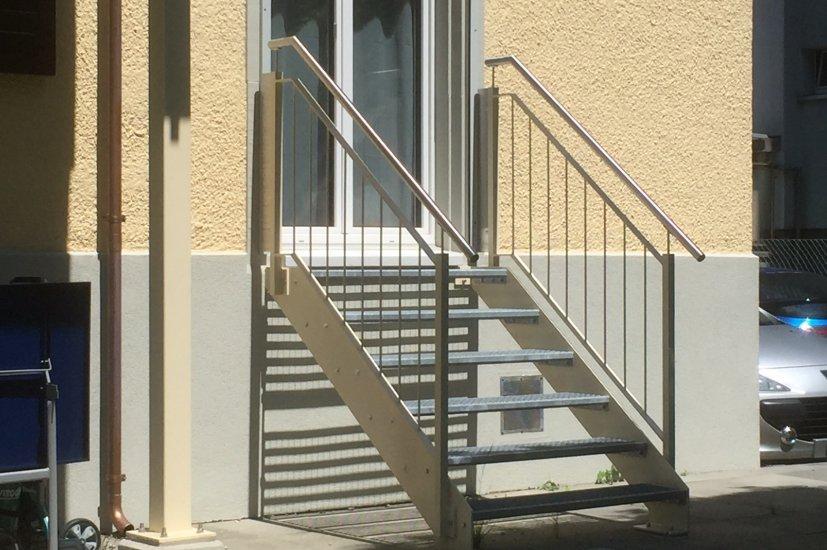 MetallDesign Treppe Gitterroststufen